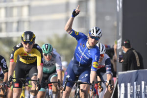 Sam Bennett wins Stage 4, the Hope Probe Stage, of the UAE Tour Tadej Pogačar retains the Red Jersey